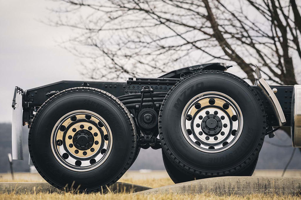 Mack® mRIDE™ Suspension Paired with Mack Axles Delivers Weight Savings, Increased Payload