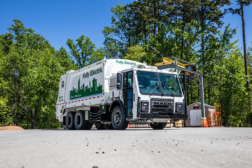Mack® LR Electric to be Spotlighted During WasteExpo 2021