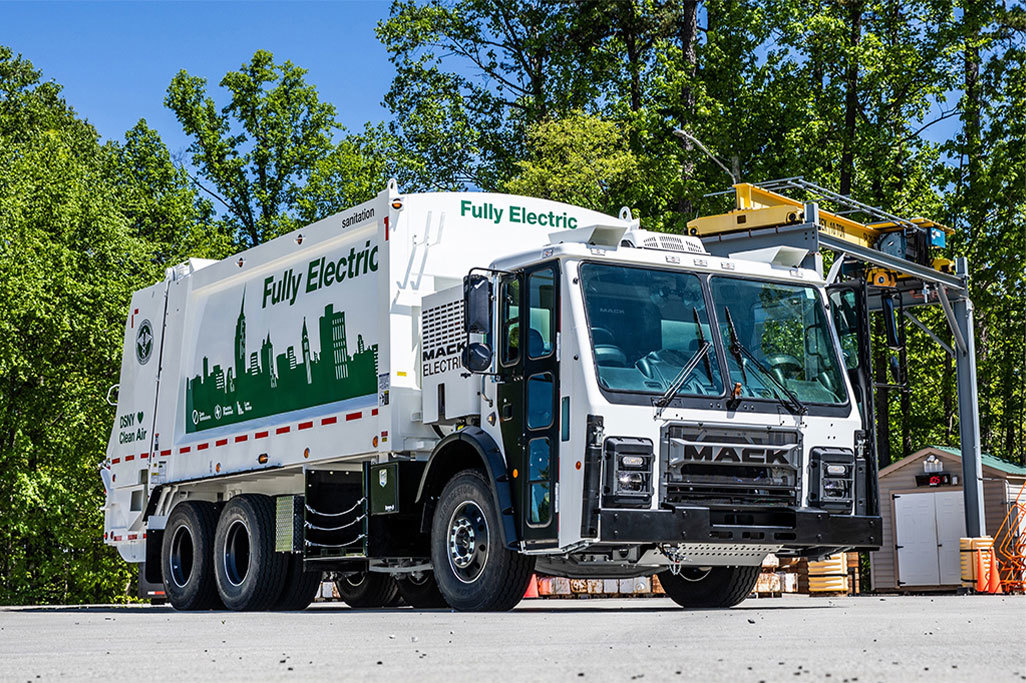 Mack® LR Electric Eligible for Incentives to Improve Total Cost of Ownership