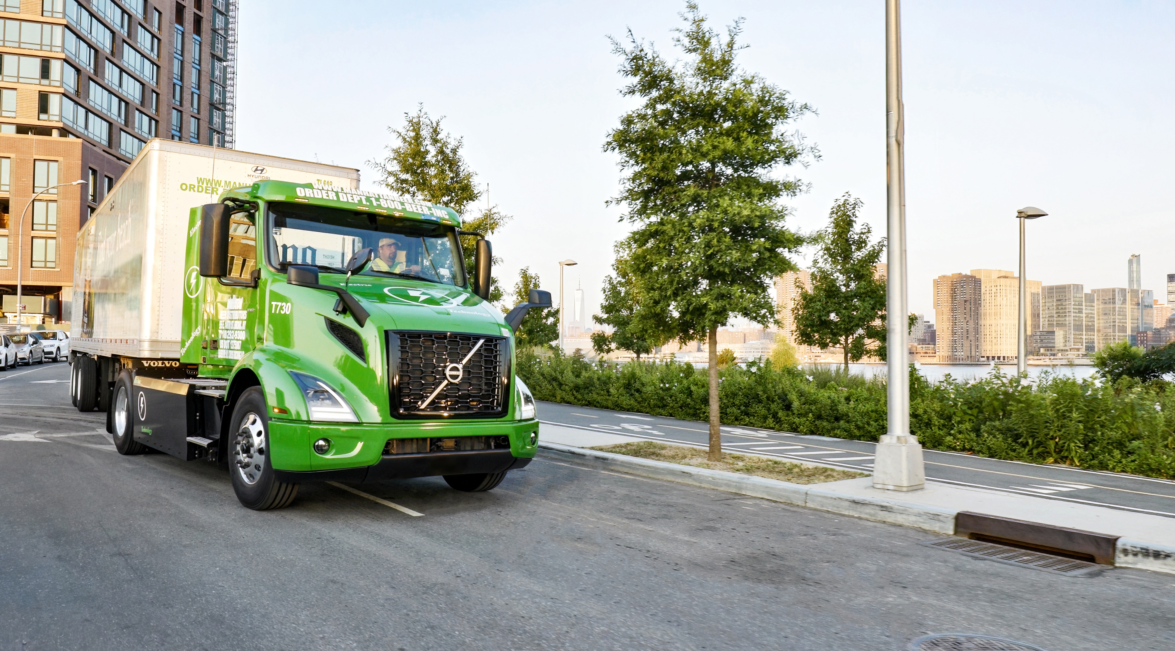 Volvo Trucks Delivers the First of Five VNR Electrics to New York Customer Manhattan Beer Distributors